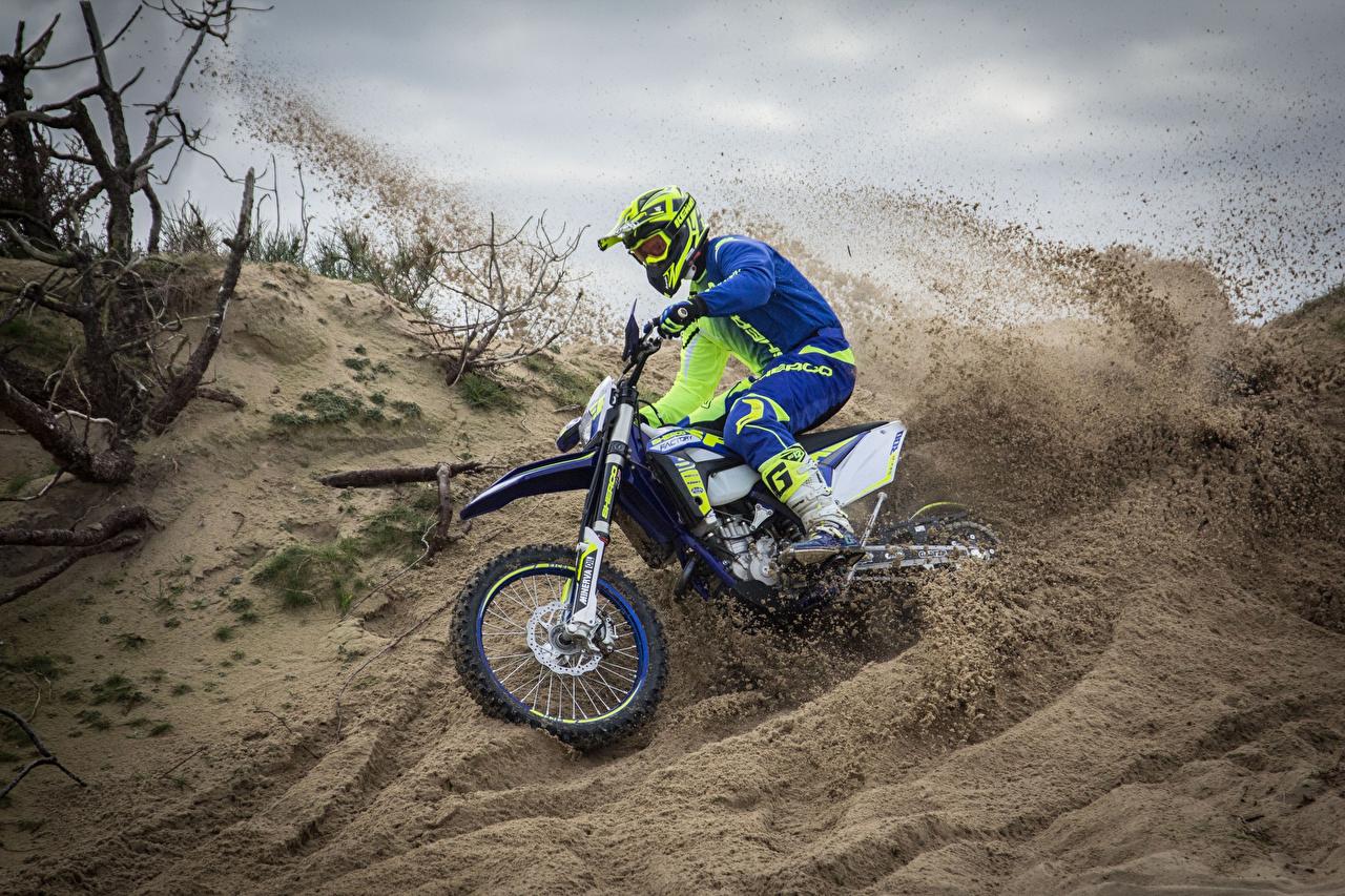 Motocross_2017_Sherco_300_SEF-R_Factory_Sand_526531_1280x853
